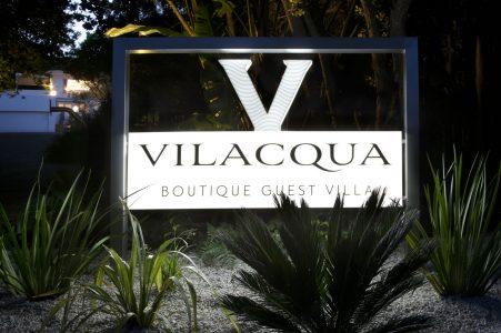 vilacqua-sign-lit-up-at-night